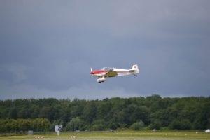 vliegend vliegtuig lucht aviodrome lelystad airport